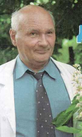 Апитерапевт доктор Грибков и его пчелы